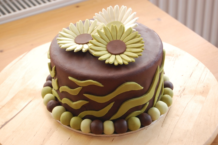 Gerbera and Zebra cake